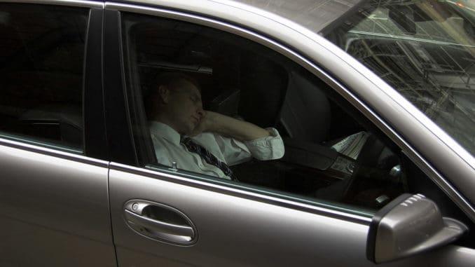 jak nie zasnąć za kierownicą?